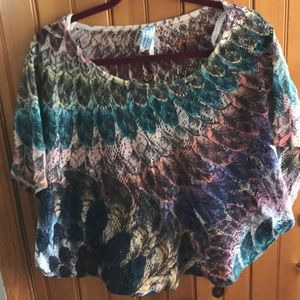 Feather printed dolman sleeve top